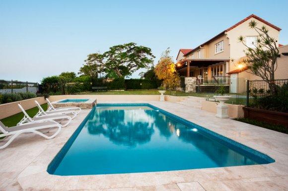 Pose de carrelage de piscine à Niort